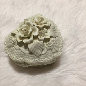 Vintage heart trinket tray with floral heart lid